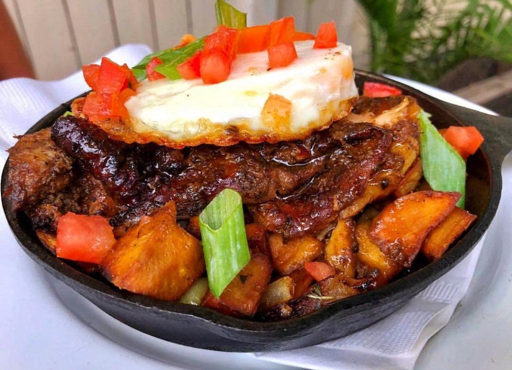 "Inside ""Pearls"" – Caribbean Restaurant in Brooklyn, NY"